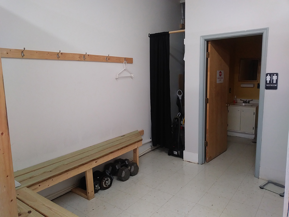 General changing area & bathroom